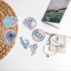 PURA VIDA   Blue + Rose Gold Hibiscus Bracelet